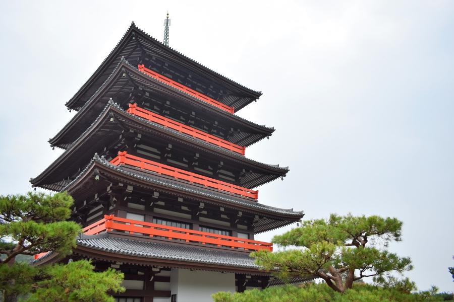 蓮華院誕生寺奥之院 五重塔